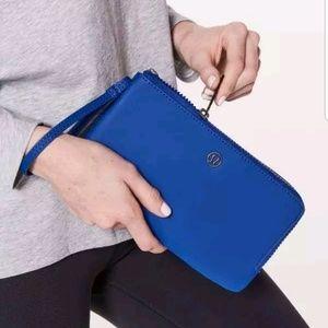 Lululemon double up pouch clutch jet stream blue
